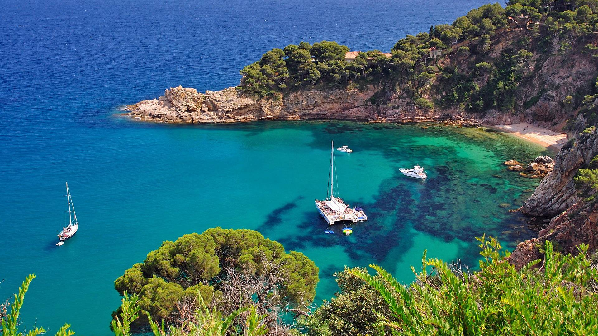 Costa Brava Roman and Greek heritage with Panoramic Boat Ride Small Group Day Tour - In out Barcelona Tours